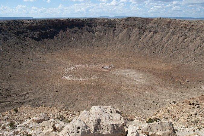 Kuvassa iso kraateri