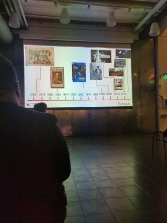 Puheessa havainnollistettiin notkahdusta julkaistujen Kalevala-pelien määrässä. Kuva: Vera Schneider