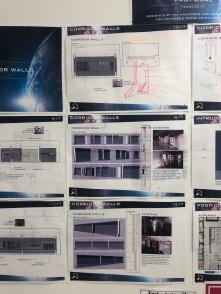 Kuvassa monta printattua suunnitelmaa.
